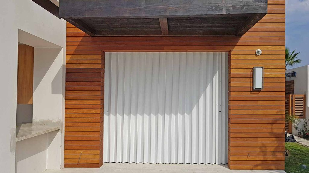 accordian-storm-shutters-baja-093109-2